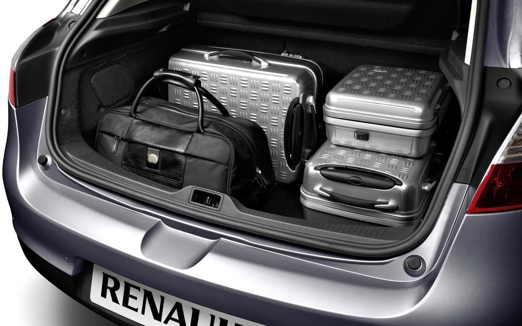 Renault Megane хэтчбек 2008 5дв, багажное отделение