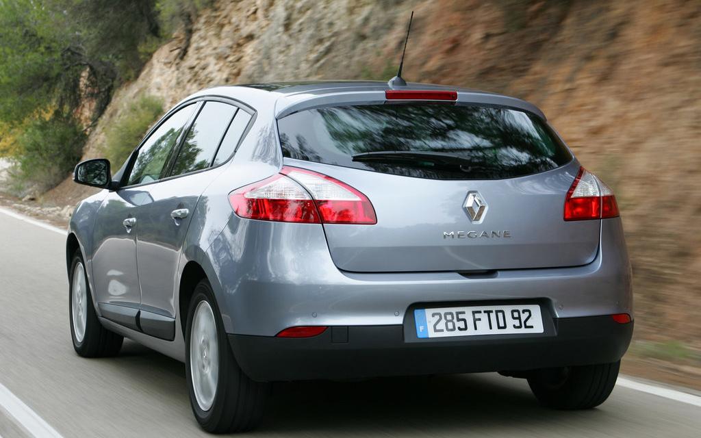 Renault Megane хэтчбек 2008 5дв, вид сзади