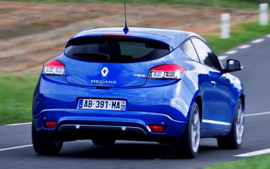 Renault Megane хэтчбек 2014 3дв 2-ой рестайлинг, вид сзади