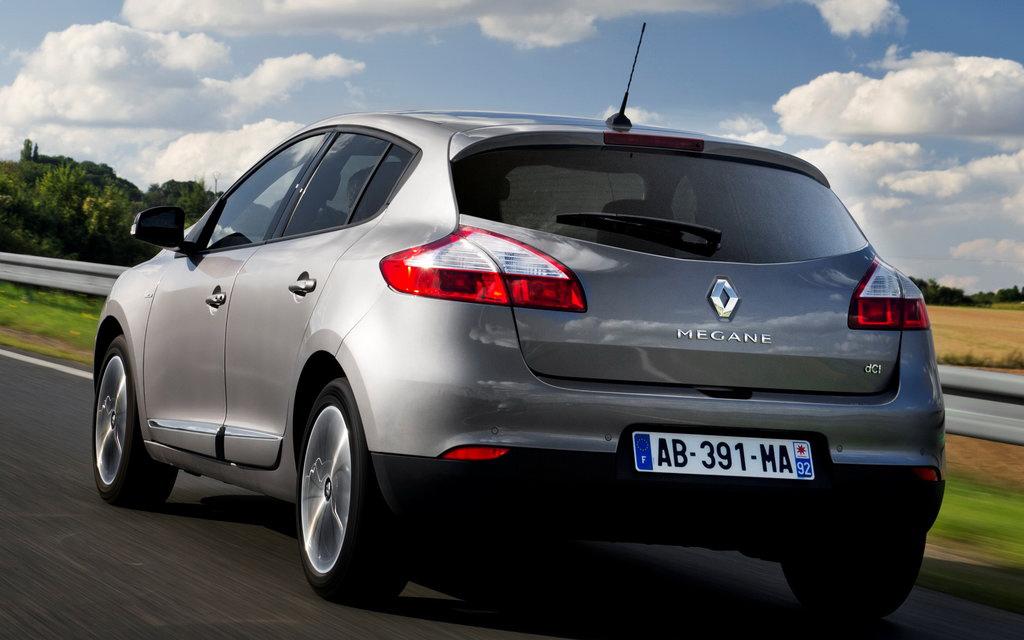 Renault Megane хэтчбек 2014 5дв 2-ой рестайлинг, вид сзади