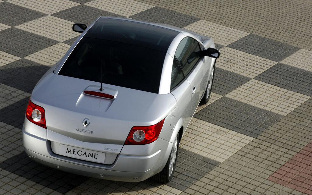 Renault Megane кабриолет 2006 рестайлинг, вид сзади