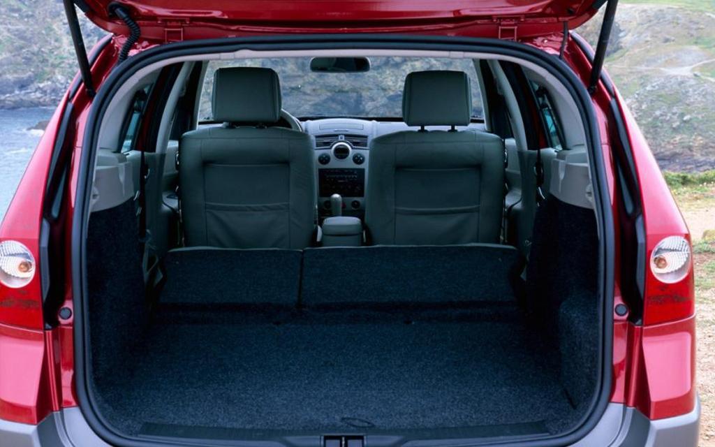 Renault Megane универсал 2006 рестайлинг, багажное отделение