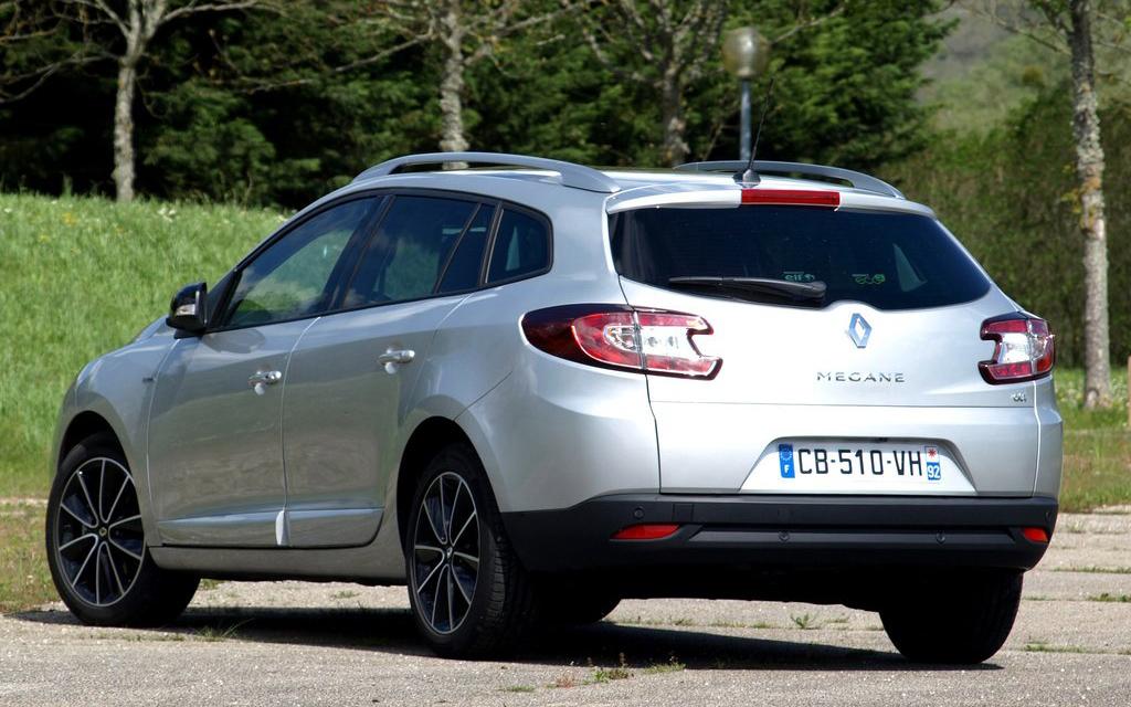 Renault Megane универсал 2012 рестайлинг, вид сзади