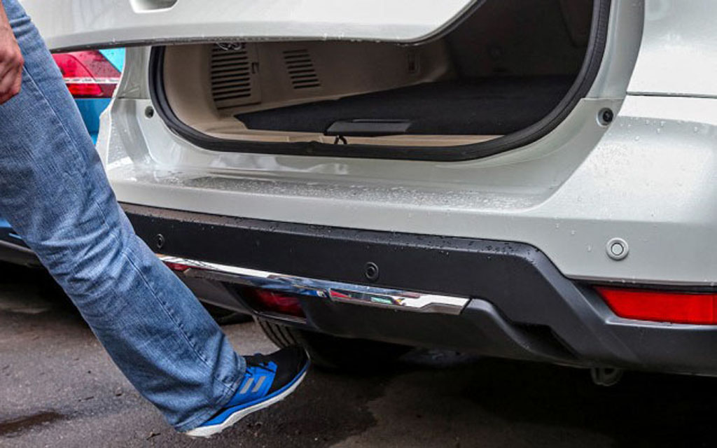 Бесконтактное открытие двери багажника