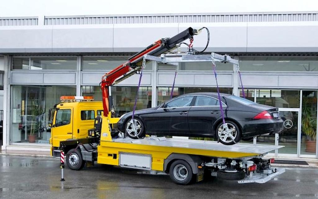 Повреждение авто при эвакуации — возмещение ущерба, законопроект