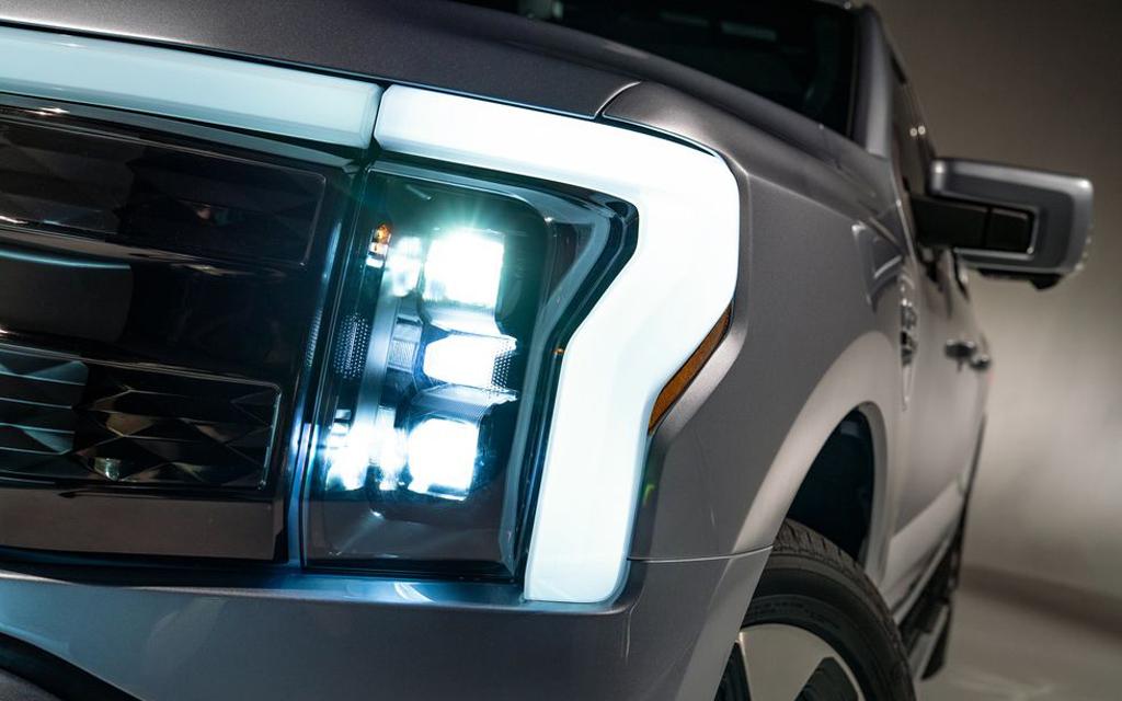 Ford F-150 Lightning 2021, светодиодная оптика