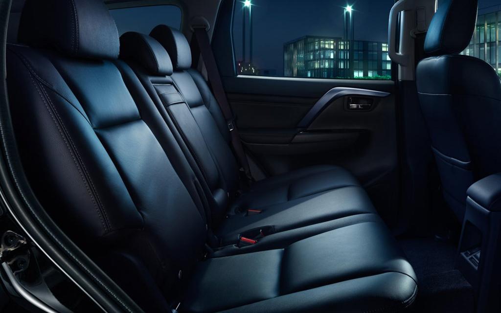 Mitsubishi Pajero Sport 2021, второй ряд сидений