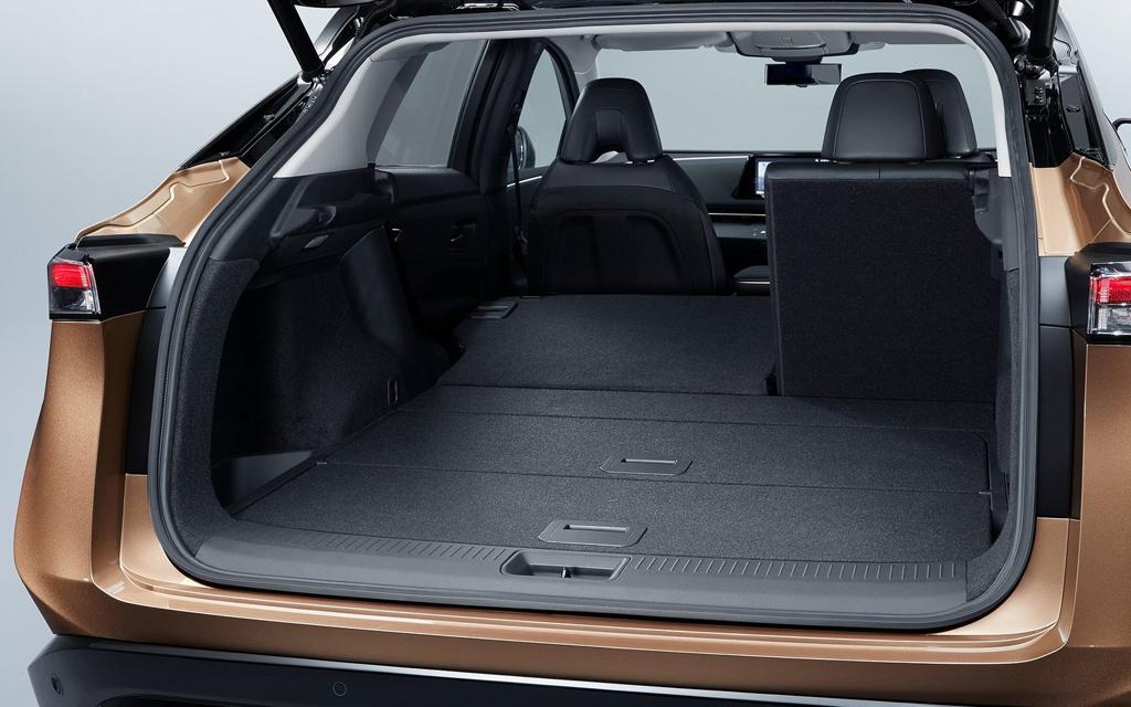 Nissan Ariya 2021, багажное отделение