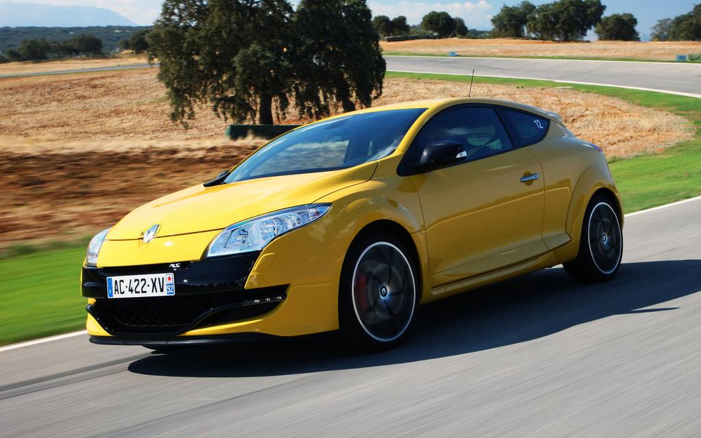 Renault Megane 2008, хэтчбек, 3 дв, вид спереди