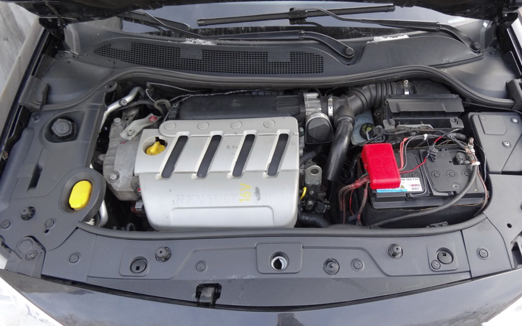Renault Megane 2012, хэтчбек, рестайлинг 3 дв, двигатель