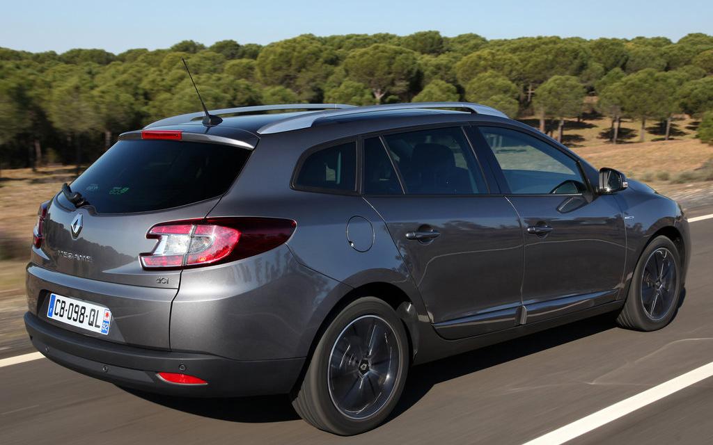Renault Megane 2012 универсал, рестайлинг, люк топливного бака