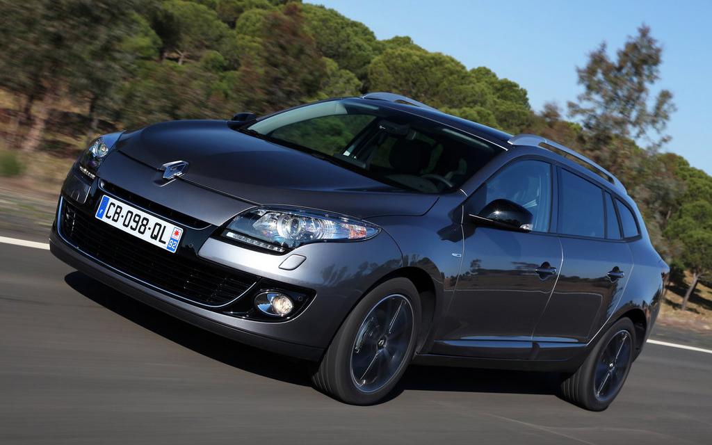 Renault Megane 2012, универсал, рестайлинг, вид спереди
