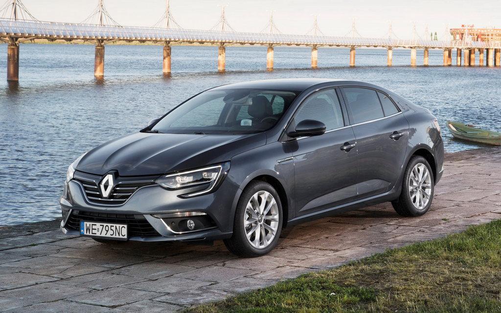 Renault Megane 2016, седан, вид спереди