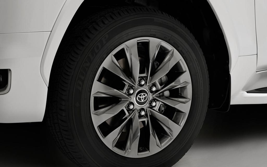 Toyota Land Cruiser 2021, колесные диски