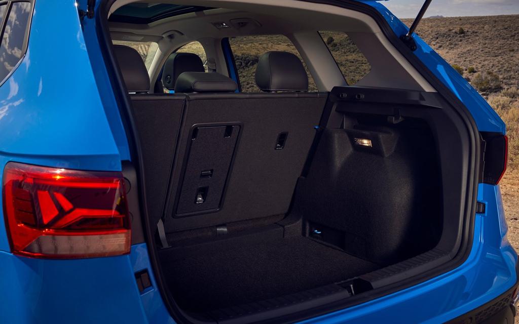 Volkswagen Taos 2022, багажное отделение