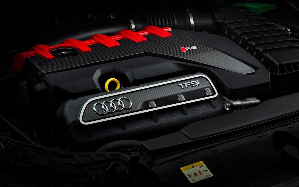 Audi RS3 2022, двигатель