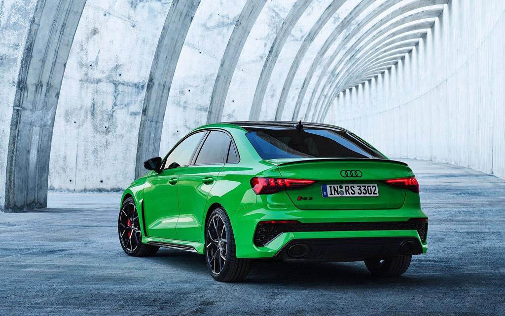 Audi RS3 Sedan 2022, вид сзади