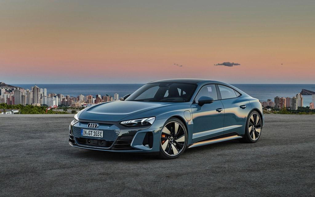 Audi e-tron GT quattro 2022, вид спереди