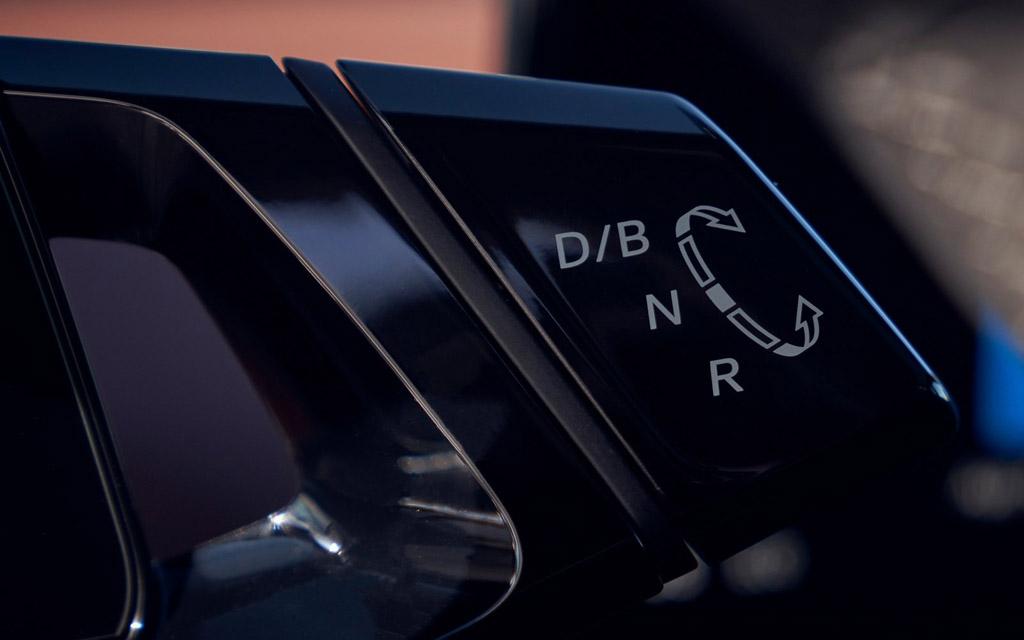 Электрический Volkswagen ID.4 2021, управление трансмиссией