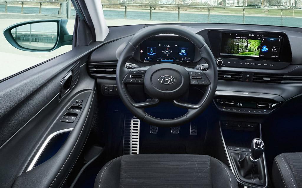 Hyundai Bayon 2022, рулевое колесо