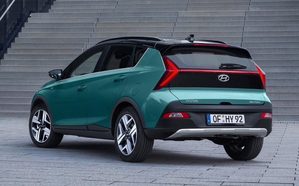 Hyundai Bayon 2022, вид сзади