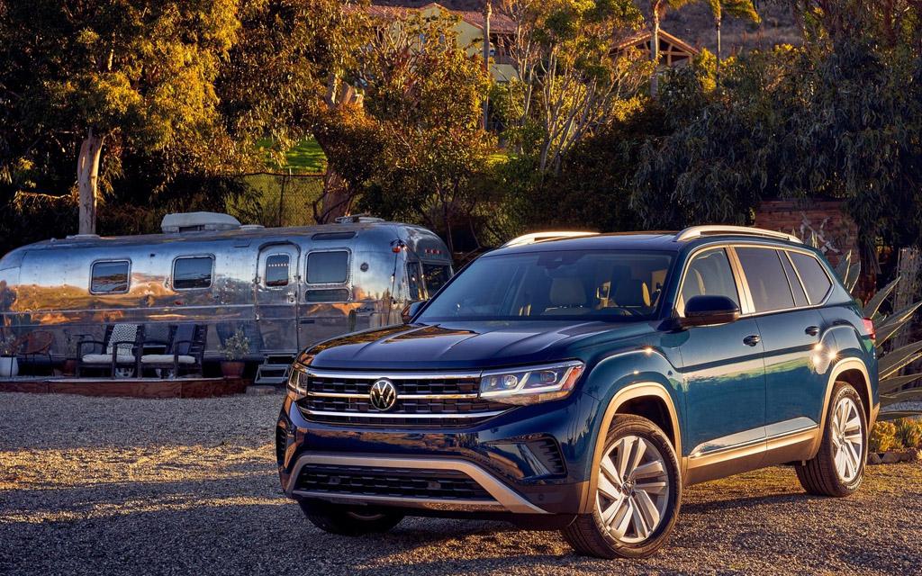 Новый Volkswagen Atlas 2021, вид спереди