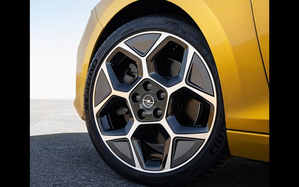 Opel Astra 2022, колесные диски