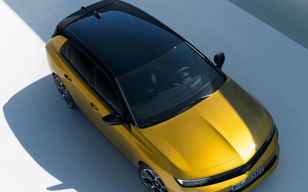 Opel Astra 2022, крыша хэтчбека