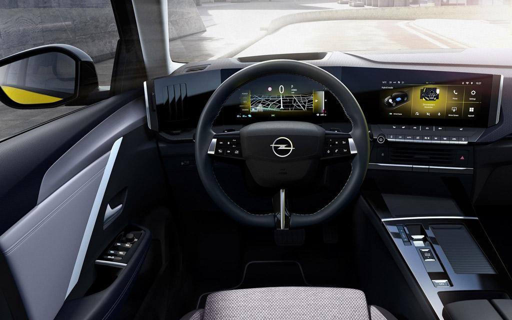 Opel Astra 2022, передняя панель