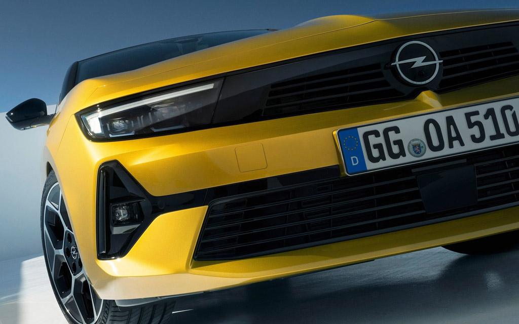 Opel Astra 2022, светодиодная оптика