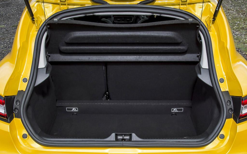 Renault Clio 2012 хэтчбек, багажное отделение