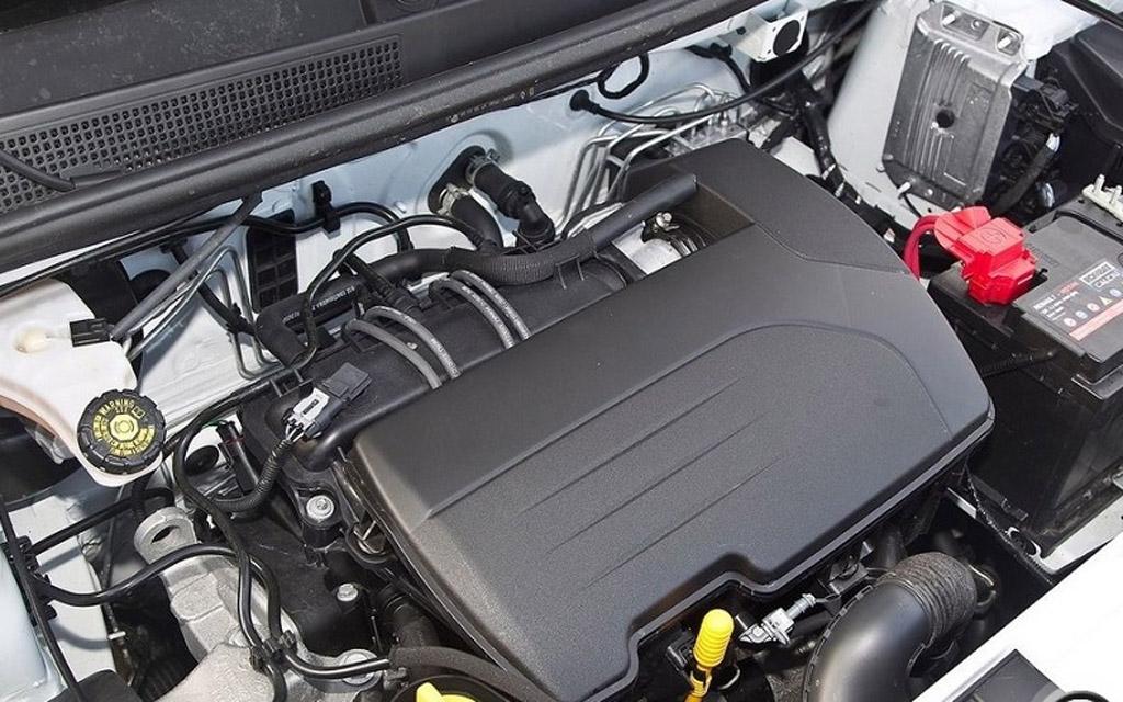 Renault Clio 2012 универсал, двигатель