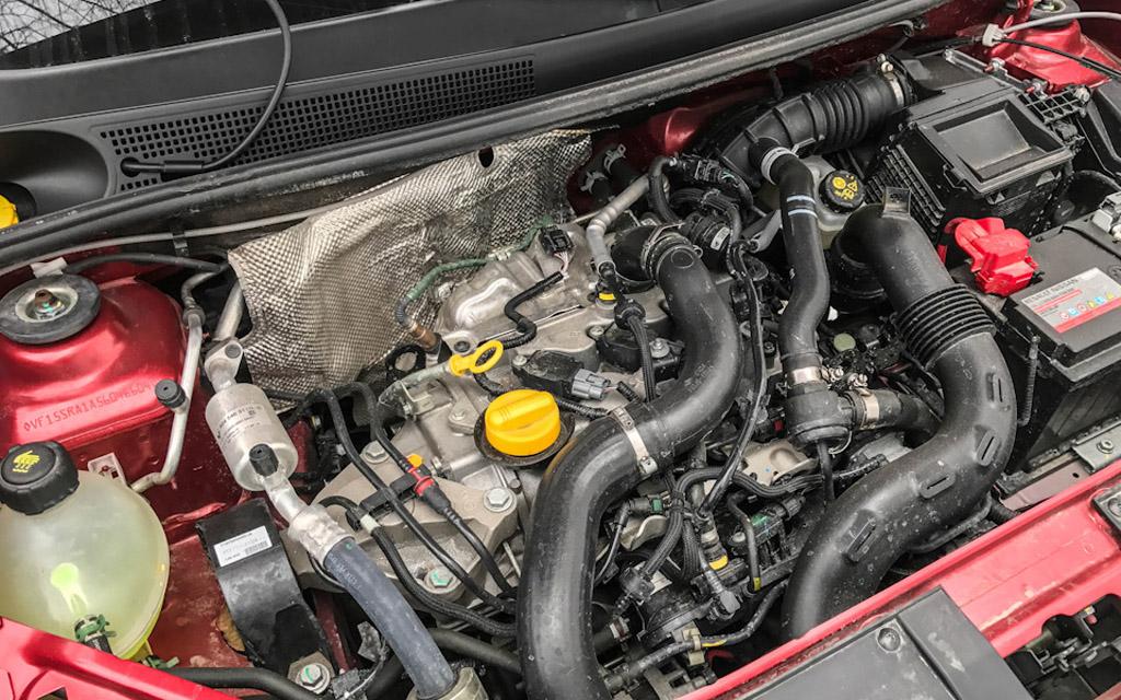 Renault Clio 2016 хэтчбек рестайлинг, двигатель