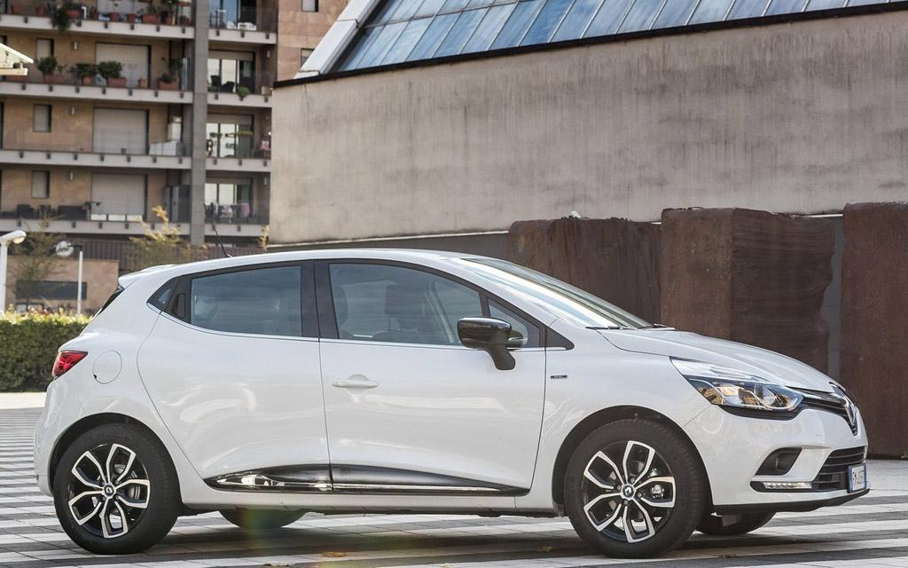 Renault Clio 2016 хэтчбек рестайлинг, вид сбоку