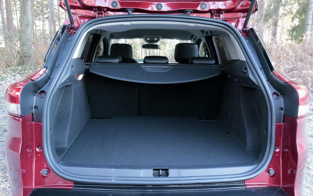 Renault Clio 2016 универсал рестайлинг, багажное отделение