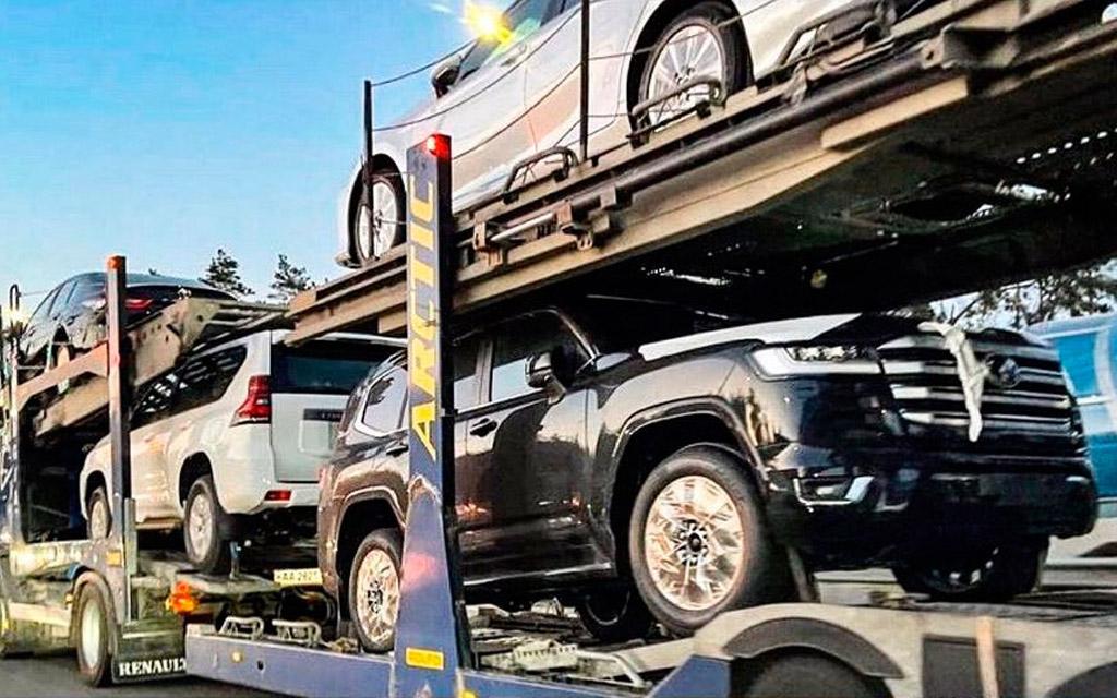 Тойота Ленд Крузер 300 в Украине на автовозе