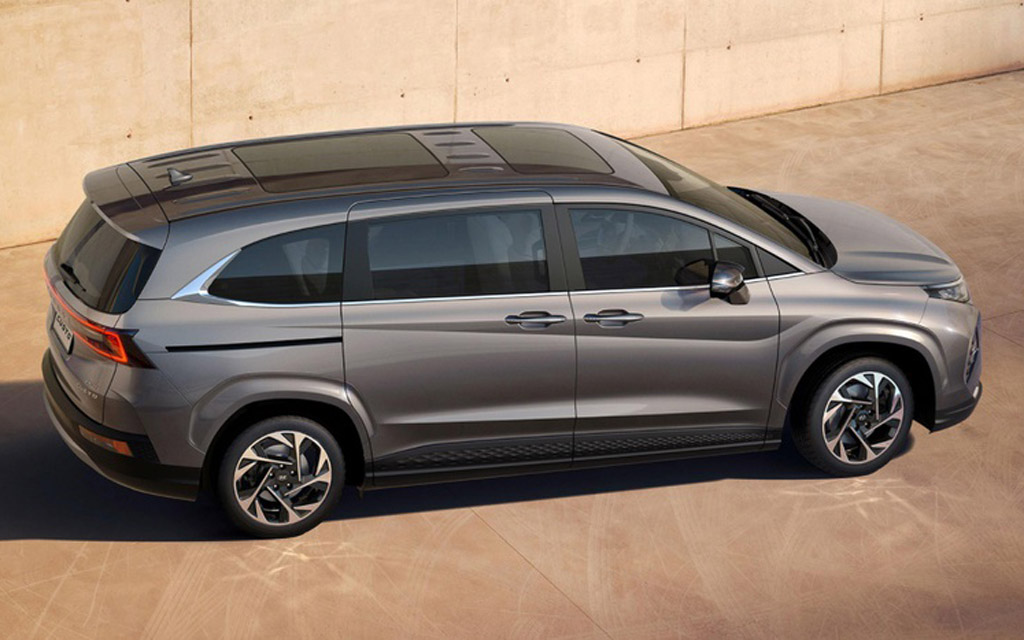 Hyundai Custo 2022, крыша минивэна