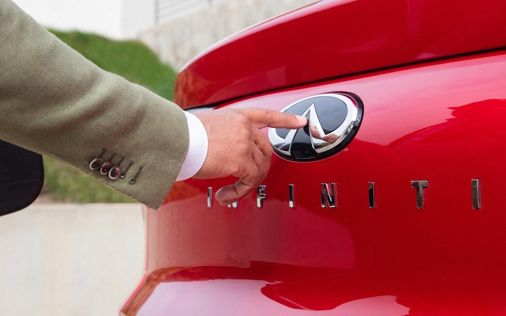 Infiniti QX55 2022, кнопка открытия багажника
