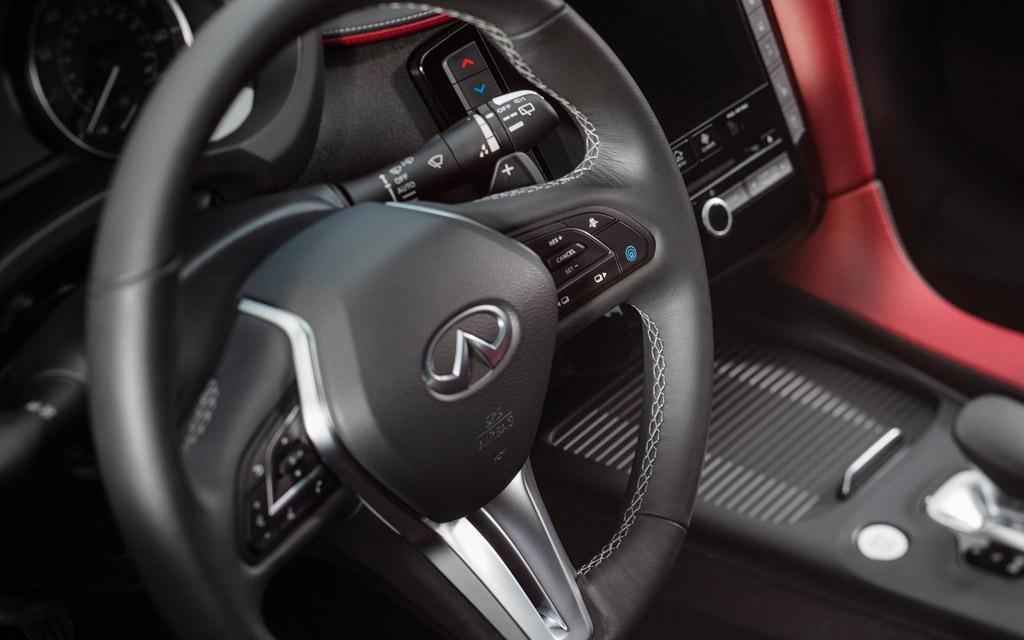 Infiniti QX55 2022, рулевое колесо