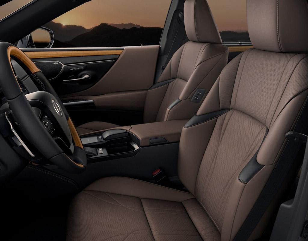 Lexus ES 2021, передние сиденья