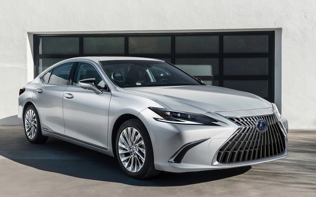 Обновлённый Lexus ES 2021 в России — вариатор, цены и характеристики