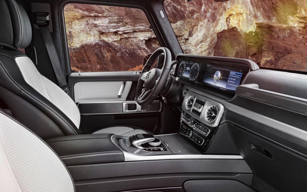 Mercedes-Benz G-Class 2021 передняя панель