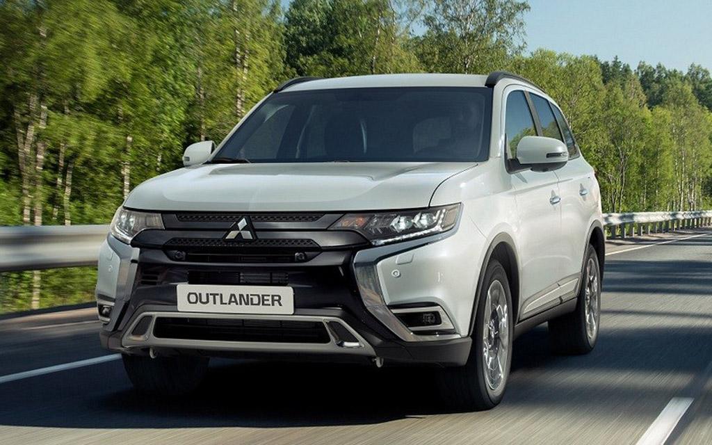 Mitsubishi Outlander 2022 в России — небольшой рестайлинг и новые цены