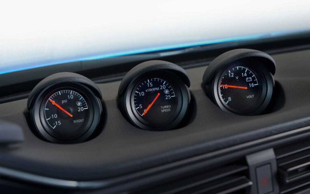Nissan Z 2021, датчики на передней панели