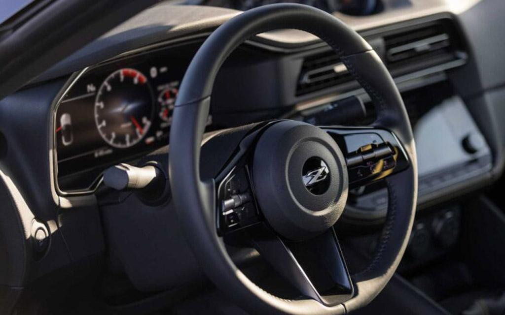Nissan Z 2021, рулевое колесо