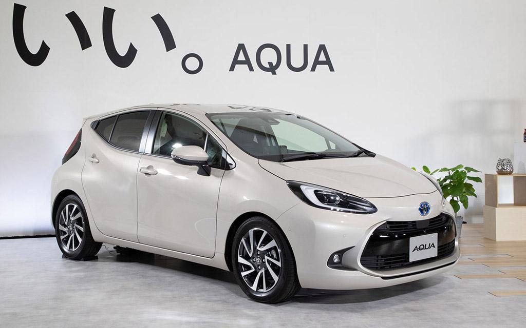 Хэтчбек Toyota Aqua 2022 — расход 2,8 литра и новый аккумулятор