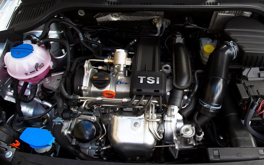 Skoda Rapid 2012 лифтбек, двигатель