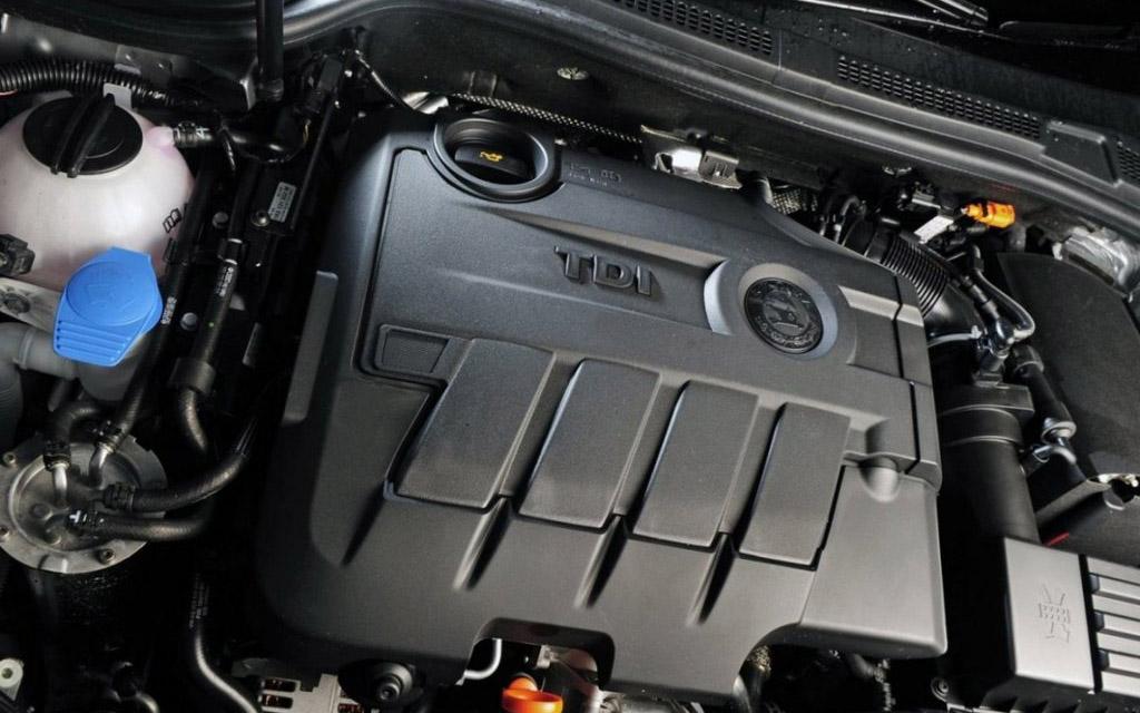 Skoda Superb 2013 универсал, двигатель