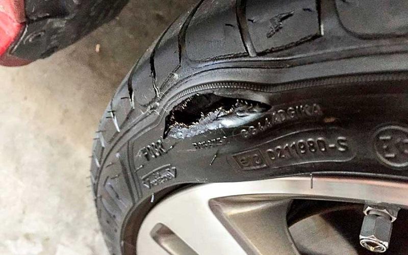 Что делать с пробитой шиной