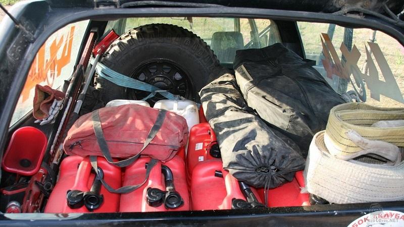 Какое количество бензина допускается перевозить в машине?